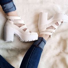 Chunky Sandals ✿