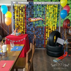I like the circle streamers hanging down Hot Wheels Birthday, Hot Wheels Party, Race Car Birthday, Baby 1st Birthday, Car Themed Parties, Cars Birthday Parties, Party Themes For Boys, Colorful Party, Yui