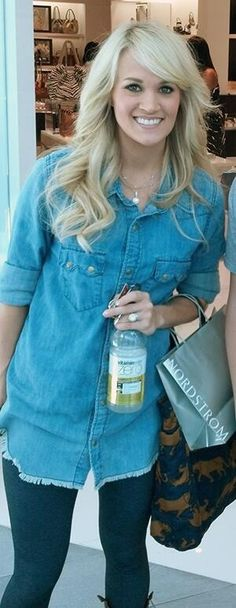 Carrie out shopping- love her hair in this pic