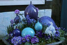 Speere im Frühling Moroccan Garden, Pole Art, Outdoor Sculpture, Garden Ornaments, Flowers Nature, Yard Art, Garden Inspiration, Beautiful Gardens, Flower Pots