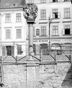 Wien 14, Dreifaltigkeitssäule (Mariahilferstraße 192)  Nahaufnahme.