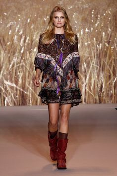 Anna Sui Spring/Summer 2011 Ready-To-Wear Collection | British Vogue