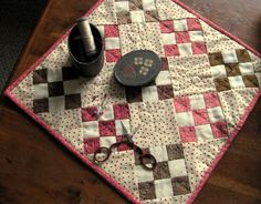 Free patterns for small quilts.