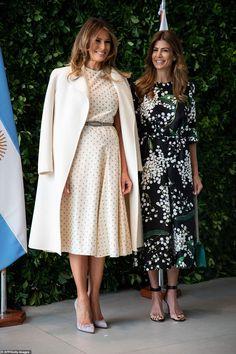 Melania Trump and Argentina's first lady Juliana Awada lead the wives at art museum Milania Trump Style, Christian Dior Dress, First Ladies, First Lady Melania Trump, Estilo Fashion, Style Casual, Royal Fashion, Fashion Black, Lolita Fashion