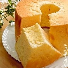 It's easy because of the simple ingredients! It takes a short amount of time! You can make an airy chiffon cake.