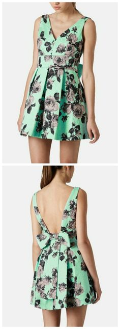 Love the bow, the pleats and the mint floral pattern on this Topshop dress.
