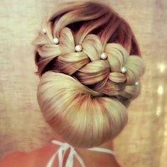 I love hairstyle: Beautiful inspired hairstyle for party via @le_mariages - ❤️❤️❤️️ #instacasamento #instawedding # casamento2016 #casamento #voucasar #casar #amor #love #ame #quesejaeterno #noivos #noiva #noivas noivas2016 # # wedding #cabelo #penteado #penteadonoiva #hairbride #hair - #penteadofesta #ilovecasar