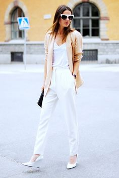 White tailored pants with a white wedge pump and tee make for a crisp and clean ensemble. //