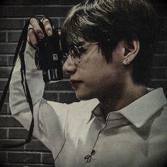 Vante in action Bts Taehyung, Jimin, Bts Bangtan Boy, Daegu, Foto Bts, Bts Photo, Seokjin, Namjoon, K Pop