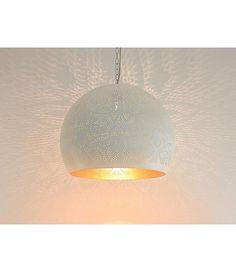 Witte filigrain hanglamp met goud magisch - Merel in Wonderland Wonderland, Ceiling Lights, Interior Design, Lighting, Inspiration, Furniture, Home Decor, Nest Design, Biblical Inspiration