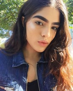Model Natalia Castellar Was Bullied Over Her Thick Eyebrows: It Was Difficult fo Bushy Eyebrows, Dark Eyebrows, Thick Brows, Thicker Eyebrows, Thick Eyebrow Shapes, Blonde Eyebrows, Plucking Eyebrows, Makeup Eyebrows, Perfect Eyebrows