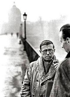 """""""L'eleganza è quella qualità del comportamento che trasforma la massima qualità dell'essere in apparire.""""   (Jean-Paul Sartre)"""
