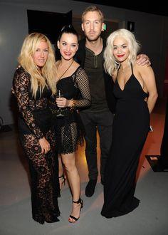 Pin for Later: Wer ist eigentlich noch nicht mit Ellie Goulding befreundet?! Ellie Goulding mit Katy Perry, Calvin Harris und Rita Ora