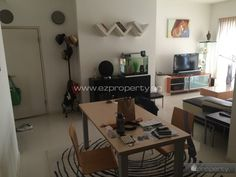 3BR condo unit for rent near Potong Pasir MRT. 3,500 SGD / month. No Agent Fee.  All details and contact here: http://www.ezproperty.sg/listing/The-Callista_Condo_for-rent_1720  We promote listings posted on EZProperty.sg at no cost, it just needs to look good and be priced right.  #Singapore #3BR #condo #ForRent #PotongPasir #MRT