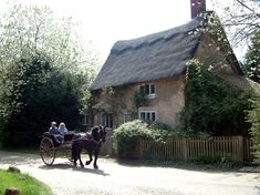 Pony & trap passing thatched cottage at Blickling Hall Cozy Cottage, Cottage Living, Cottage Homes, Cottage Gardens, English Country Cottages, English Village, Country Houses, English Countryside, Fairytale Cottage