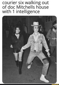 John Lennon and Yoko Ono in Rue d'Antibes, Cannes in photographer Daniel Angeli Foto Beatles, Les Beatles, Beatles Photos, Beatles Funny, Beatles Band, Ringo Starr, Funny Gaming, John Lennon Yoko Ono, Jhon Lennon