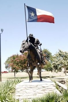 23 Most Beautiful Places To Visit In Texas The Crazy Tourist Texas Rangers Texas Travel Texas History
