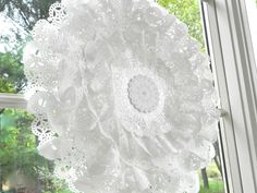 """Ilovedielines Studio: DIY """"Paper Lace"""" 15 Inch Ruffled, Glittered Party ..."""