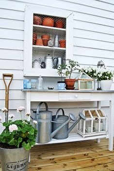 Gardening Must-Haves: The Potting Bench...