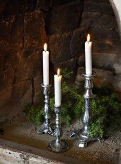 http://thenewhomedecoration.blogspot.co.uk/2013/12/my-favorite-christmas-decorating-ideas.html