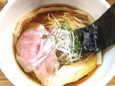 板橋本町の麺庵 小島流、鶏清湯 醤油らーめん。 無化調、丁寧なスープは一口目に甘さを感じるまろやかさ。麺もマッチ。