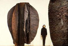 Magdalena Abakanowicz, Brown Abakans, 1969/1972, Sisal weaving