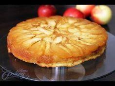 Few desserts awaken the taste buds quite like a freshly baked caramel apple upside down cake. This dessert marries sweet crunchy autumn apples with a buttery cake that is only made better with a dollop of whipped cream. Köstliche Desserts, Delicious Desserts, Dessert Recipes, Peach Cake, Apple Cake Recipes, Round Cakes, Caramel Apples, Cupcake Cakes, Cupcakes
