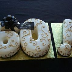 Exquisite Cakes, Palm Springs... custom desserts and cakes.