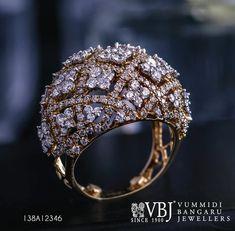 Diamond Pendant, Diamond Jewelry, Gold Jewelry, Jewelery, Jewelry Accessories, Jewelry Design, Gold Ring Designs, Cute Engagement Rings, India Jewelry