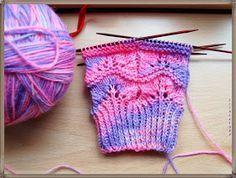 Wellen-Lochmuster für Socken