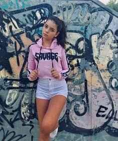 Teenager Photography, Cute Photography, Young Girl Fashion, Preteen Girls Fashion, Teen Girl Poses, Girl Photo Poses, Girl Pictures, Girl Photos, Girl Outfits