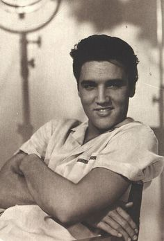 Elvis... Black and White