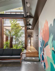 A Cascading, Compact Garden That Envelopes Its Newtown Home Indoor Courtyard, Courtyard House, Roof Garden Plants, Floating Garden, Melbourne House, Architecture Awards, Victorian Terrace, Australian Homes, Inspired Homes