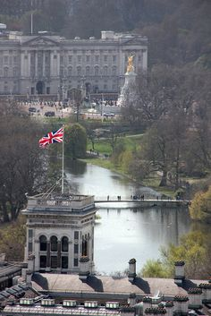 Buckingham Palace, St James' Park, from London Eye