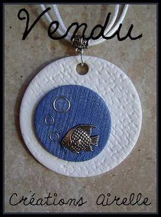 Créations Airelle en polymère pendentif bleu et blanc