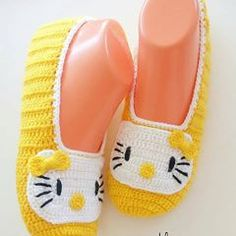 Watch This Tutorial Video Spectacular Easy Beginner Crochet Baby Blanket Ideas. Crochet Slipper Pattern, Knitted Slippers, Crochet Baby Booties, Crochet Slippers, Crochet Patterns, Crochet Ripple, Filet Crochet, Crochet Baby Blanket Beginner, Baby Knitting