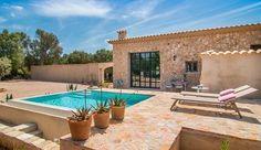 Ab 90 € können Sie die Finca Cascada Costitx auf Mallorca mieten. Die Finca…