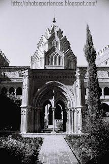 Royal Monastery of Santa Maria de Guadalupe. Guadalupe, Cáceres, Extremadura, Spain.  http://photoxperiences.blogspot.com.es/2013/05/guadalupe-un-hermoso-monasterio.html