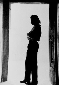Fred Astaire -like silhouette...