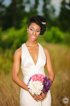 Bride with natural hair http://beautifulbrownbride.blogspot.com/