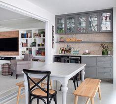 Cor cinza: 60 ideias para usar o tom na decoração com muita criatividade Decoration, Architecture, Table, Design, Furniture, Home Decor, Alice, Instagram, Outdoor
