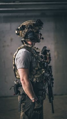 Eyes r Stars, Teeth r Spars, Hair Is Seaweed Special Forces Gear, Military Special Forces, Military Weapons, Military Art, Military Soldier, Tactical Survival, Tactical Gear, Armas Airsoft, Tactical Operator