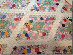 Great hexie design - photo of full quilt on blog page (BH) OH_PA_june2012 318