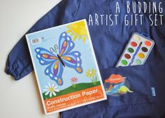 A Budding Artist Gift Set -- a great #gift idea for kids in your life! Helps keep them away from more screen time & get to using their imaginations and creativity!