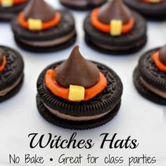 Halloween Witch Hat Cookies are an easy NO BAKE Halloween treat ready in 15 minutes or less! Oreo Cookies, Hershey Kisses, Candy Melts and some icing and your are good to go! Halloween Desserts, Halloween Snacks For Kids, Halloween School Treats, Halloween Treats For Kids, Halloween Appetizers, Halloween Cookies, Holiday Treats, Halloween Party, Halloween Ideas