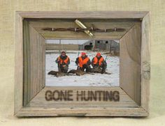 Gone Hunting 4X6 Barn Wood Photo Frame - American Expedition