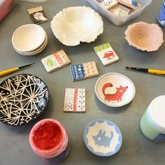 Playing with glazes and underglazes in my pottery class. I made a bunch of little chips so I got test out different textures and finishes. #ceramics #illustration #sketch #pottery #drawing #glaze #underglaze #studio #picoftheday #cute © Linzie Hunter #linziehunter