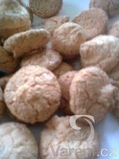 Jednoduchý recept na kokosky, které mohou i v létě zdobit náš stůl. Cookies, Desserts, Food, Crack Crackers, Tailgate Desserts, Deserts, Biscuits, Essen, Postres