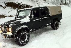 4x4 rijvaardigheidstraining in de sneeuw.