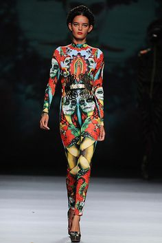 Fashionadictas by Marcela: Fashion Week Madrid-primavera-verano 2013 Louise Brooks, Gareth Pugh, Elie Tahari, Christian Dior, Mexican Fashion, Vogue, Mexican Designs, Colorful Fashion, Outfits For Teens
